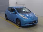 Электромобиль хэтчбек Nissan Leaf кузов AZE0 модификация G гв 2013